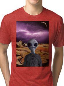 THE TRAVELER Tri-blend T-Shirt