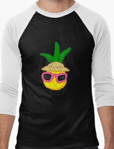 Pineapple on vacation! Men's Baseball ¾ T-Shirt