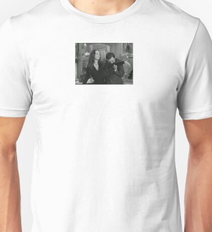Morticia And Gomez Arm Kiss Unisex T-Shirt