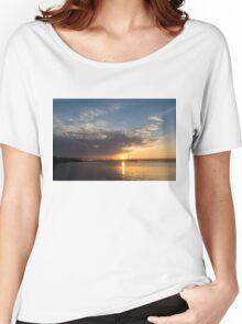 Brilliant Toronto Skyline Sunrise Over Lake Ontario Women's Relaxed Fit T-Shirt
