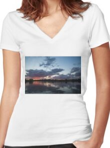Sunset Afterburner Women's Fitted V-Neck T-Shirt