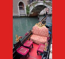 ....come and see Venice in my Gondola.... Unisex T-Shirt