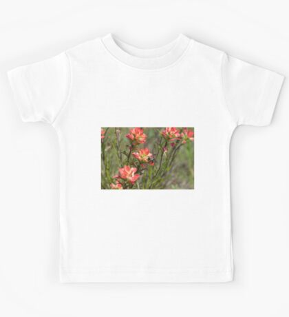 Bumble Bee on bright pink Indian Paintbrush flowers Kids Tee