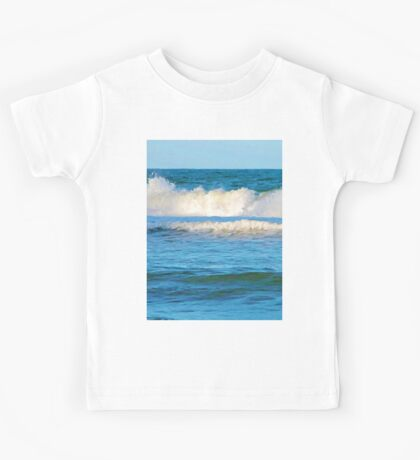 Abstract vibrant splashing waves Kids Tee