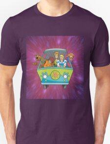 scooby on car Unisex T-Shirt