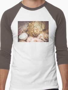 Seashell Background Macro 2 Men's Baseball ¾ T-Shirt