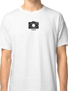 I shoot - black Classic T-Shirt