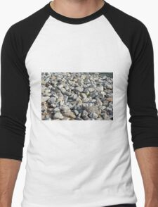 Pebbles at the sea shore. Men's Baseball ¾ T-Shirt