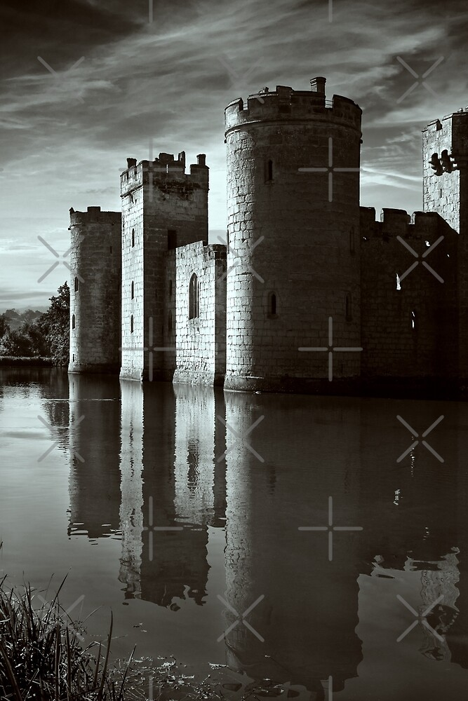 Bodiam Castle mono by Geoff Carpenter