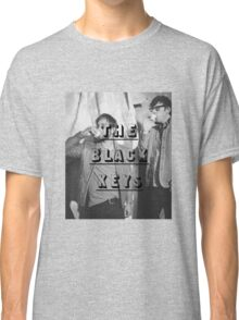 THE BLACK KEYS DRINKING  Classic T-Shirt