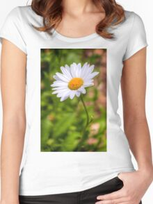Daisy 2 Women's Fitted Scoop T-Shirt