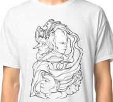 Le misteriose facce di villa Ingrid! Classic T-Shirt