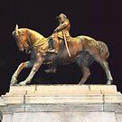 Statue - Queen Victoria Gardens by Peter Krause