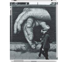 Breaking Through. (Berlin Wall) iPad Case/Skin