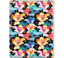 Seamless graphic pattern with beautiful flowers  iPad Case/Skin