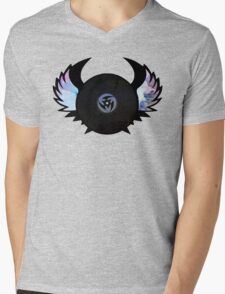 Vinyl Records with Wings - Retro Grunge Vintage Art - Music DJ! Mens V-Neck T-Shirt