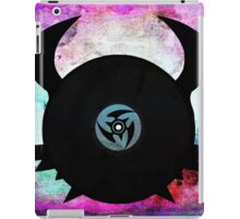 Vinyl Records with Wings - Retro Grunge Vintage Art - Music DJ! iPad Case/Skin