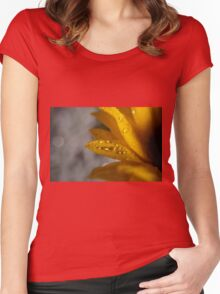 Dew drops on sunflower macro Women's Fitted Scoop T-Shirt