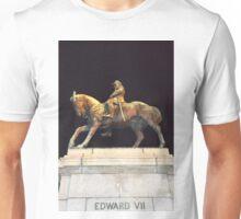 Statue - Queen Victoria Gardens Unisex T-Shirt