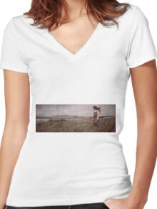 Pacific Ocean Women's Fitted V-Neck T-Shirt