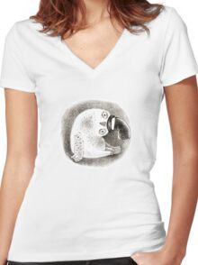 Snowy Owl in a Cylinder Women's Fitted V-Neck T-Shirt
