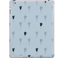 Chamomile black and blue iPad Case/Skin