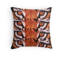 Eye of the tiger BIG CAT Throw Pillow