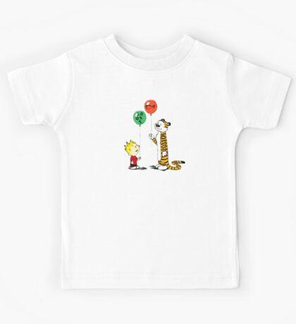 calvin and hobbes ballon Kids Tee