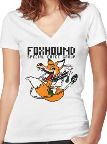 FOXHOUND PIXELART FOX BLACK Women's Fitted V-Neck T-Shirt