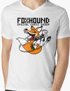 FOXHOUND PIXELART FOX BLACK Mens V-Neck T-Shirt