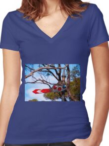 Signal Women's Fitted V-Neck T-Shirt