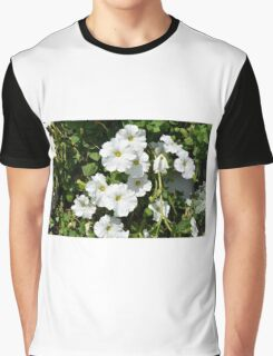 White calm flowers in the garden. Graphic T-Shirt