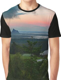 Glasshouse Mountains, Sunshine Coast, Qld, Australia. Graphic T-Shirt