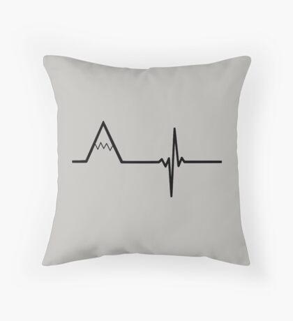 Mountain heart Throw Pillow