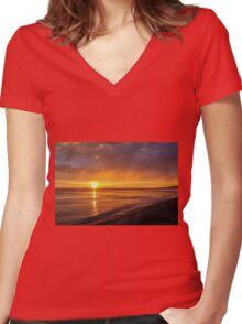 Golden sky Women's Fitted V-Neck T-Shirt