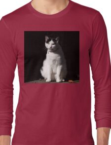 Black and White Cat Sitting Long Sleeve T-Shirt