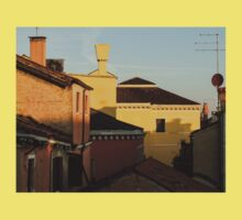 Venice, Italy - Fabulous Rooftops and Chimneys Kids Tee