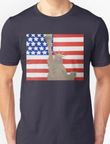 Patriotic Statue of Liberty With American Flag Backdrop Unisex T-Shirt