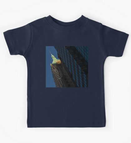 Manhattan Skyscraper Canyons - Early Sunshine in the Financial District Kids Tee