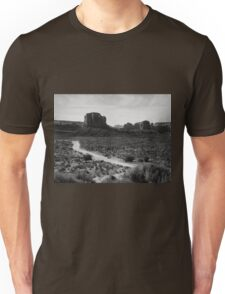 The Road in Tse'Bii'Ndzisgaii ~ Monument Valley Unisex T-Shirt