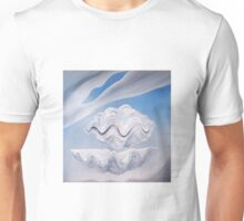 Giant Clamshell. Unisex T-Shirt