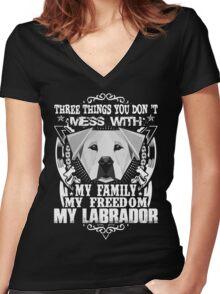 Labrador Women's Fitted V-Neck T-Shirt