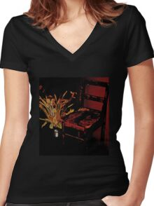 Empty Women's Fitted V-Neck T-Shirt