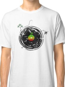 Reggae Music Peace - Vinyl Records Weed Cannabis - Cool Retro Music DJ inspired design Classic T-Shirt