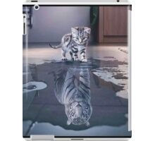 Cat wants to be a tiger ! iPad Case/Skin
