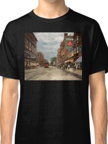 City - Lowell MA - A dam good company 1908 Classic T-Shirt