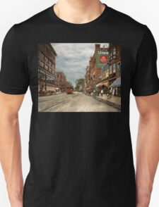 City - Lowell MA - A dam good company 1908 Unisex T-Shirt