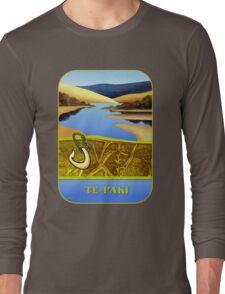 Water Meets Sand: Te Paki Stream Long Sleeve T-Shirt