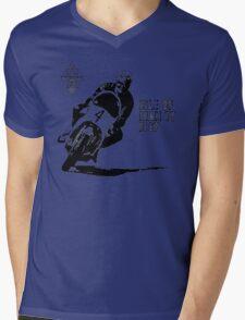 ISLE OF MAN TT 1967 VINTAGE ART Mens V-Neck T-Shirt