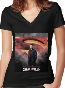 Smallville Drama Movie Women's Fitted V-Neck T-Shirt